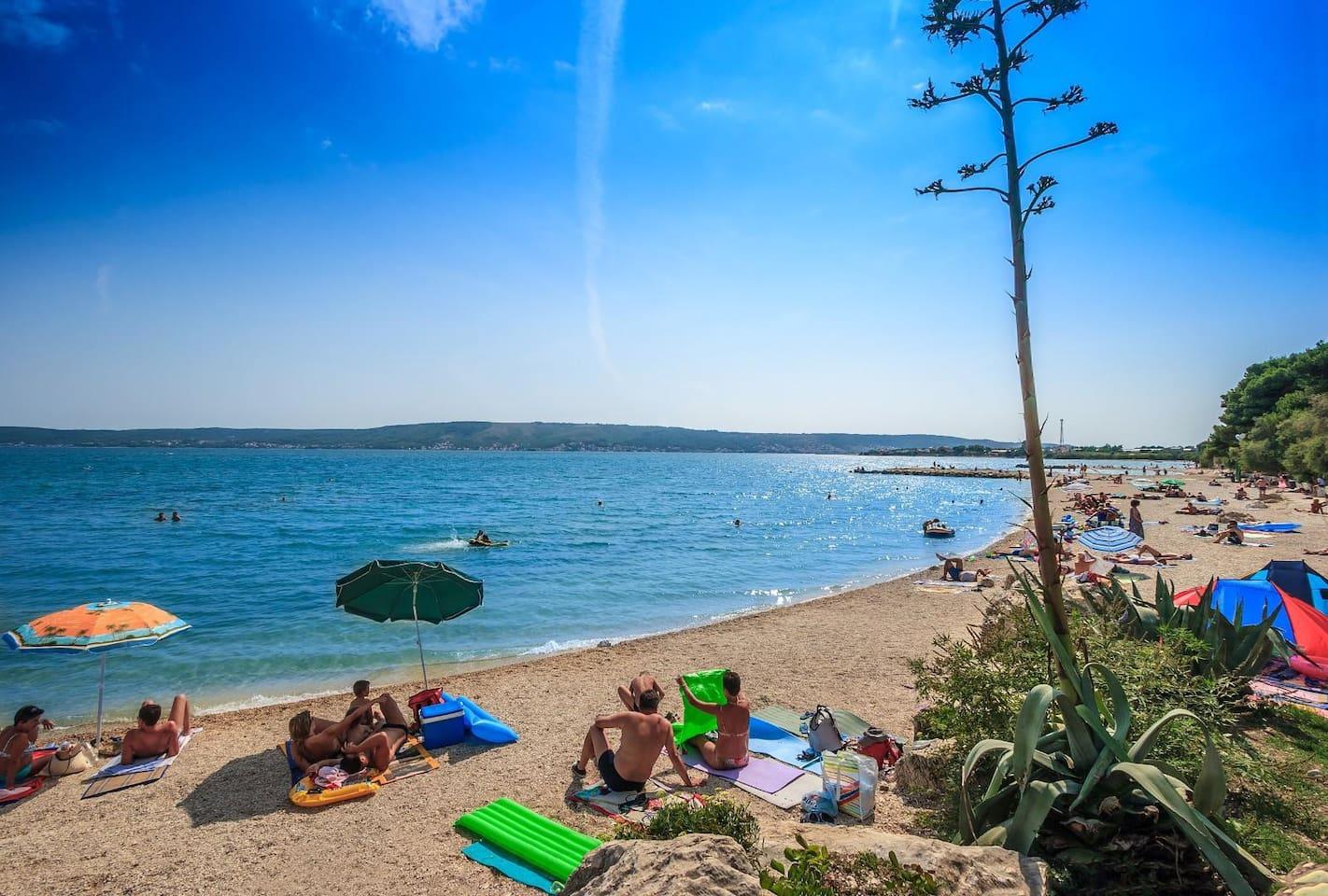 "Beach ""Resnik"", 8 minutes walking distance"
