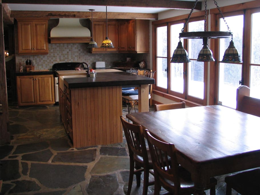 1st floor: Large country kitchen