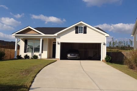 Cozy 3 BD Home Near the National - Graniteville