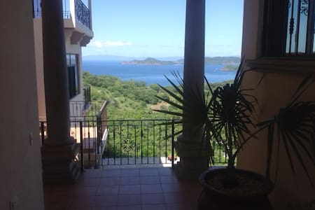 Lovely Studio & Pool w/Security - Playa Hermosa - Byt