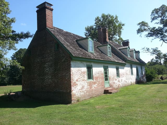 Circa 1700 Chesapeake Colonial Home
