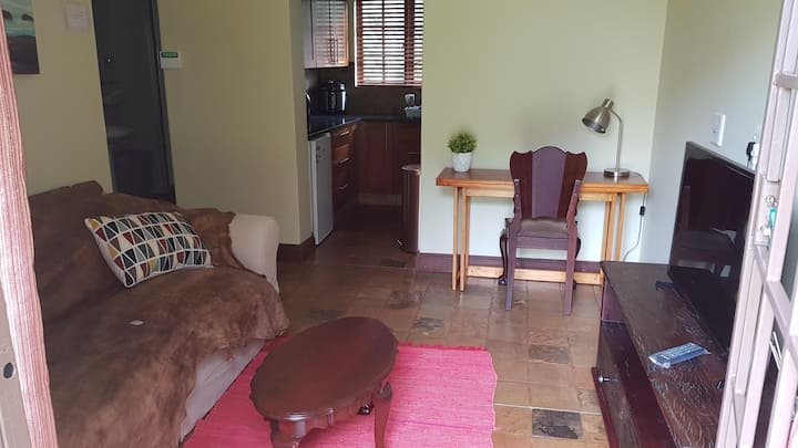 Lyttelton Manor Cottage (close: Unitas & Gautrain)
