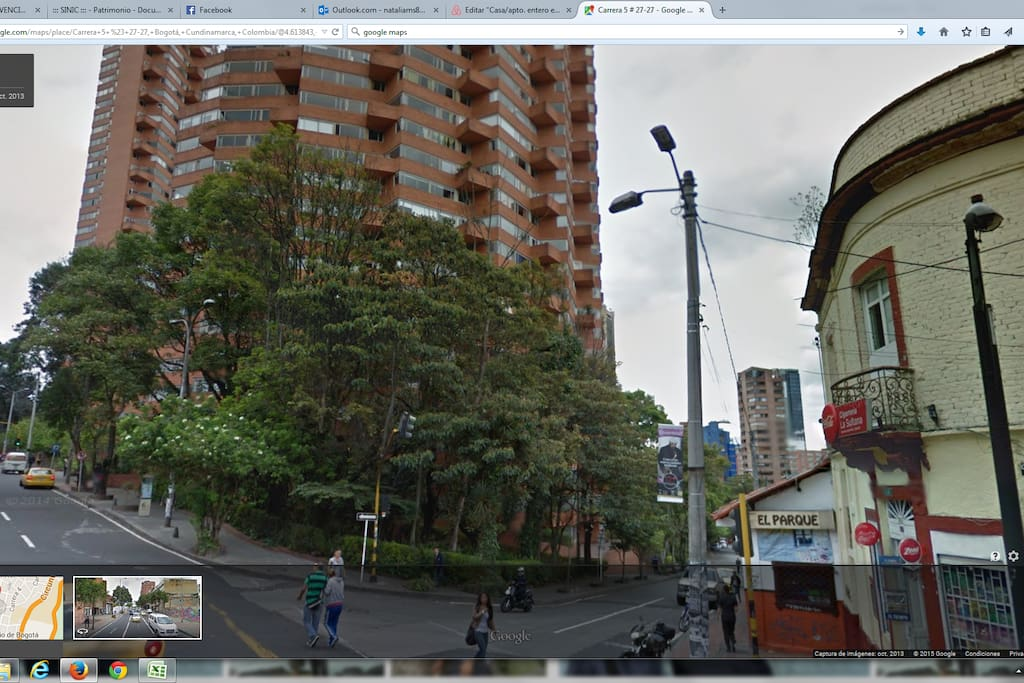 Al lado delas reconocidas Torres del Parque del Arquitecto Rogelio Salmona.