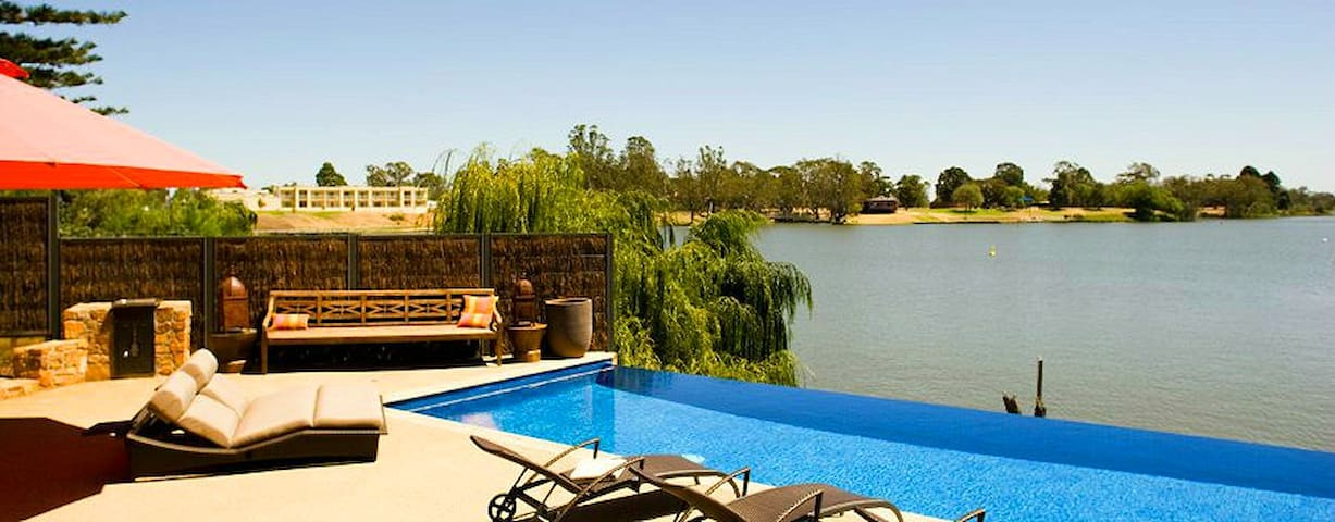 The Jetty, Waterfront Accommodation - Nagambie