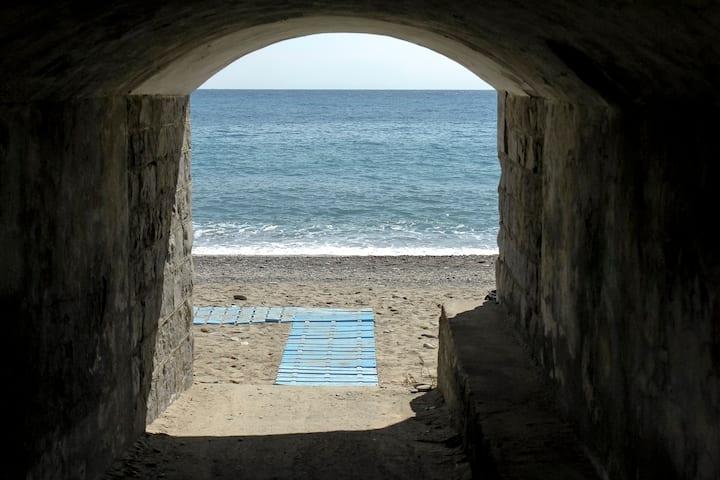 Tipical italian Pieds dans l'eau 15 mt to the sea