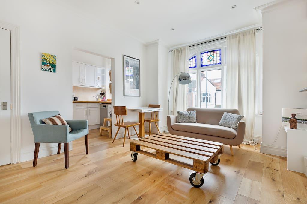 Living room (newly refurbished)