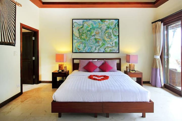 Heaven in Bali Pink Room - Payangan - Bed & Breakfast