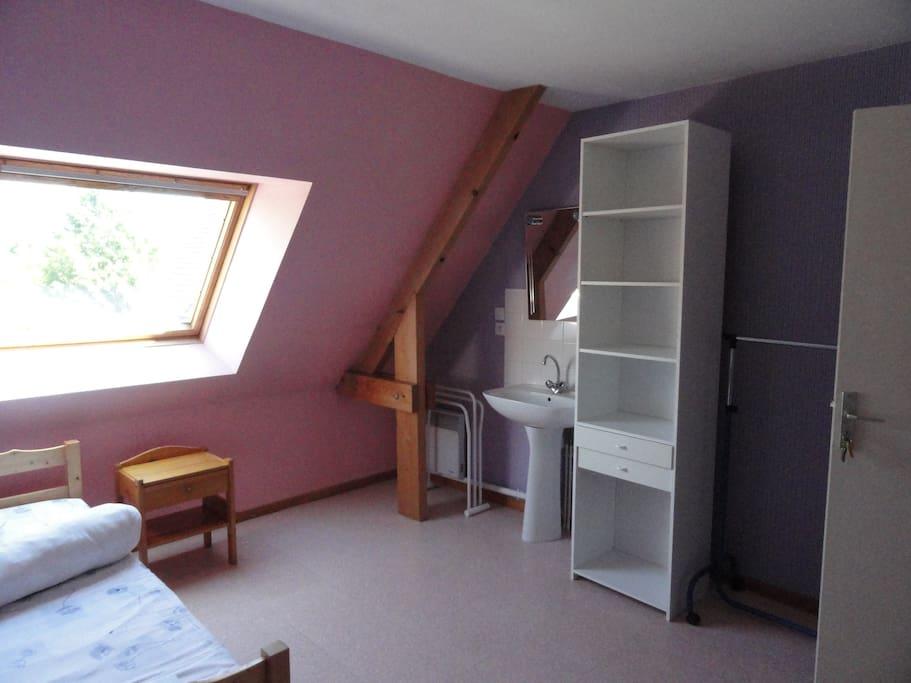 caen nord chambre meubl e ind pendante 12m2 maisons louer caen basse normandie france. Black Bedroom Furniture Sets. Home Design Ideas