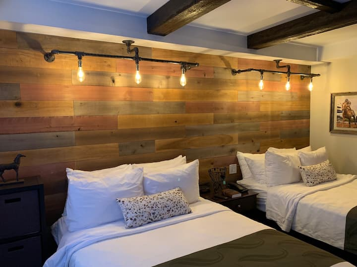 Double Stable Suite at Cedar Stables Inn & Suites