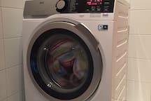 Vollwaschautomat mit Wäscheständer