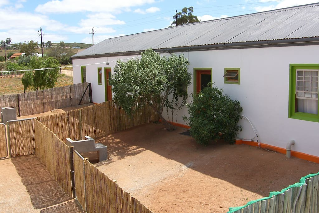 Pet Friendly Units Fully Fenced with own braai.