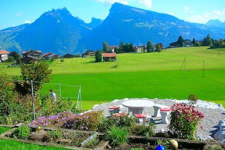 Apartment with panoramic garden - Aeschi bei Spiez