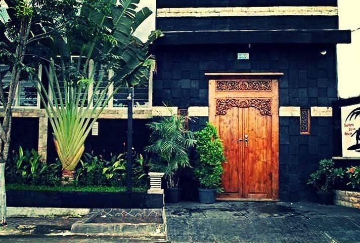 4 beds Mix Dorm - Surfers Dorm Bali
