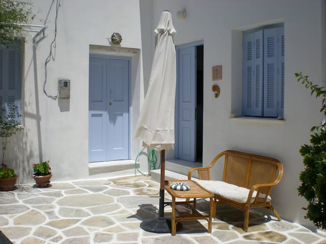 200yrs old Village House - Naxos - Casa