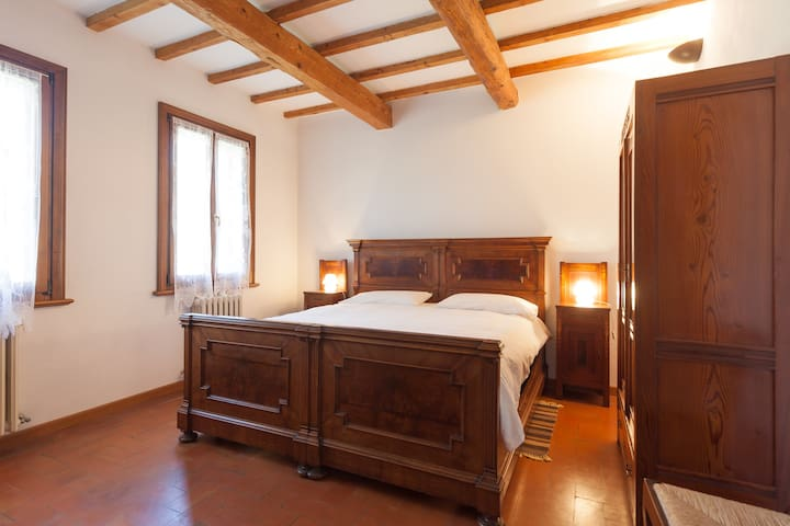B&B Corte Ginepro - Roncoferraro - Bed & Breakfast