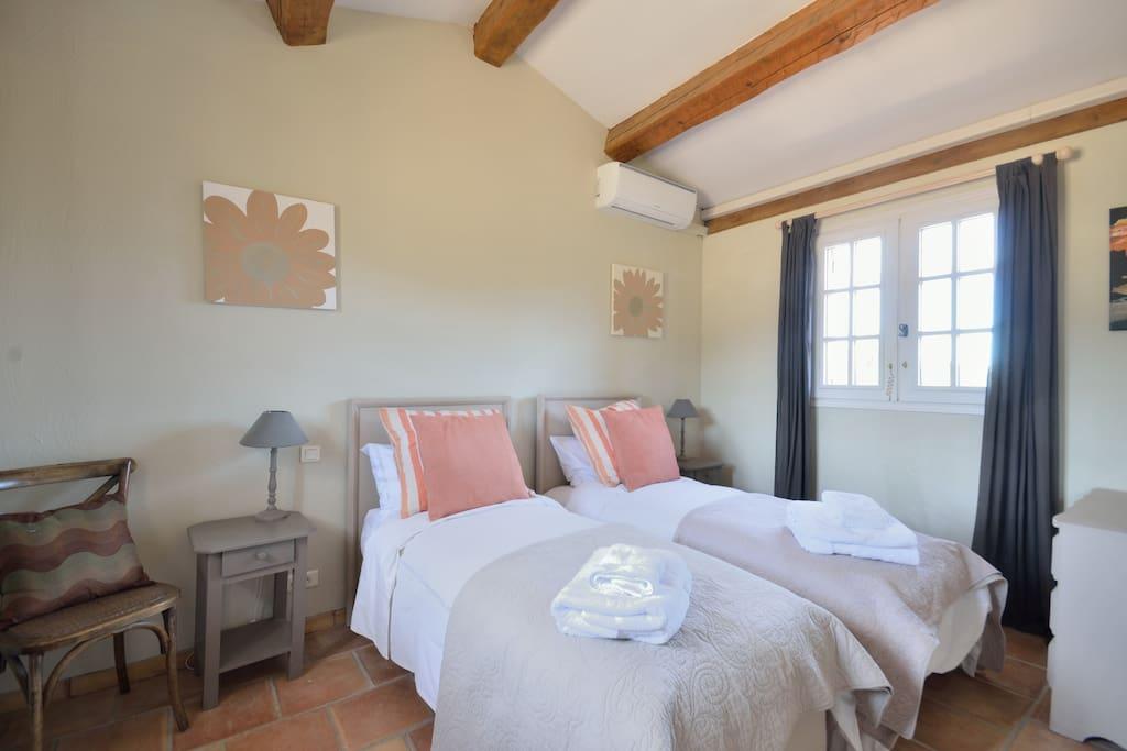 Bastide 2 twin bedroom