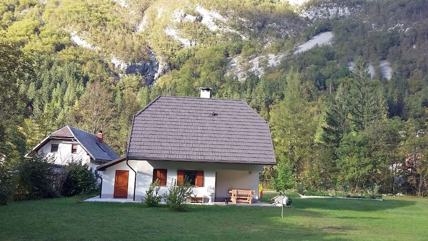 Quiet Cottage by the Soca River - Soča - Rumah