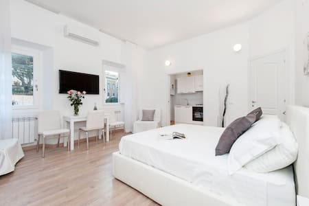 White Flat Colosseo - Roma - Apartment