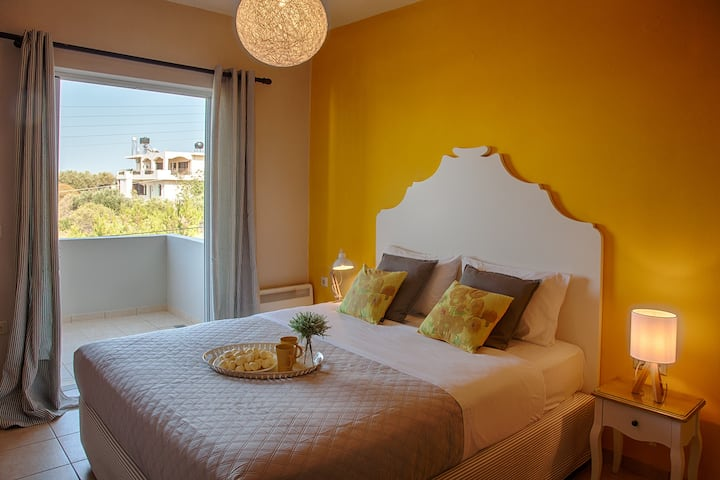 Divine apartments, for holidays in Crete_Hestia.