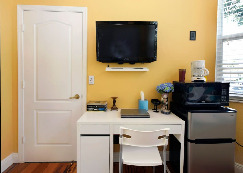 Guest suite bedroom - great amenities including large freeze with refrigerator compartment & wireless WIFI