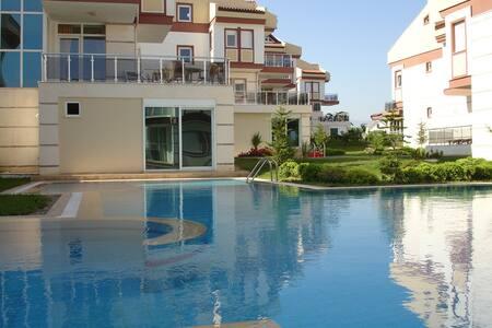 AMAZING FULL REAL VILLA - Ilıca - Villa