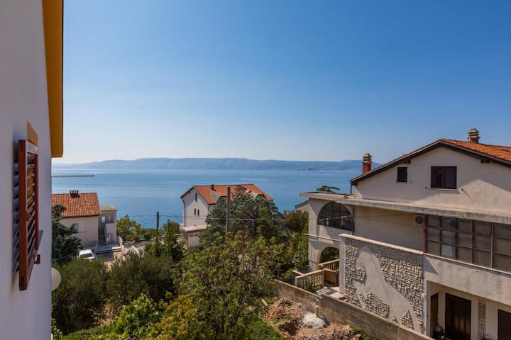 Apartment for 2 people with beautiful sea view (2)