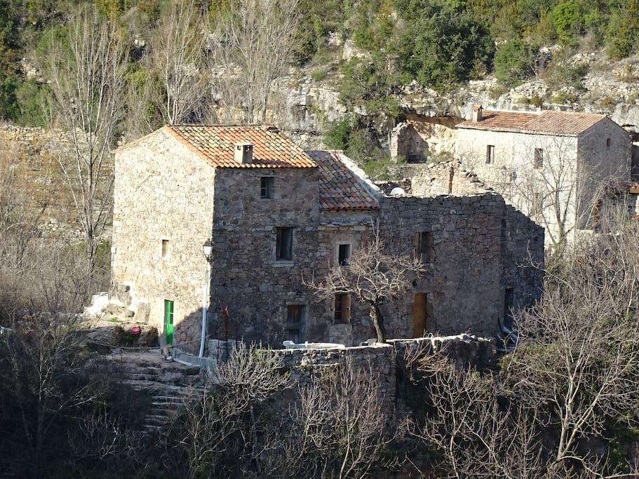 La maison et la terrasse, façade est.