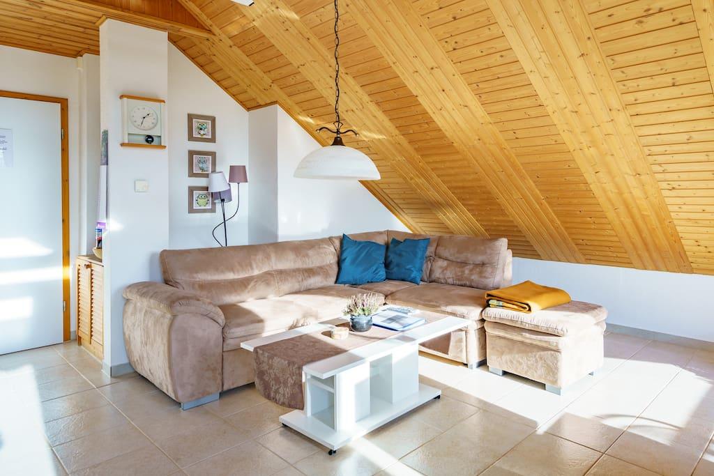 Gemütliche Couch die zum Verweilen einlädt