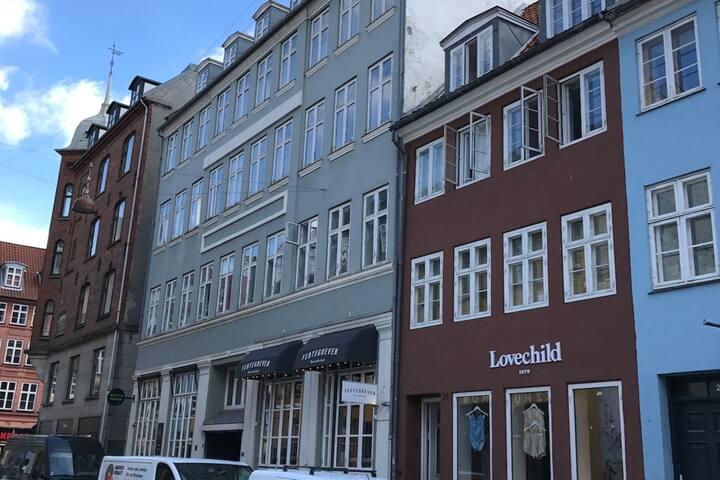 Charming room downtown Copenhagen!