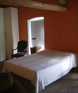 Loft  sito in dimora storica - Cella Monte - Bed & Breakfast