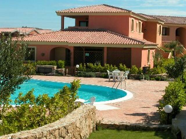 Lovely Apartment in Residence with Pool B - Sardegna - Apartamento