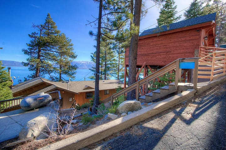 Gorgeous Lakefront Home with exceptional lake views - South Lake Tahoe - Cabin