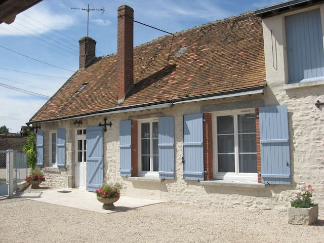 Maison Bleue-cottage near Blois - Villefrancœur