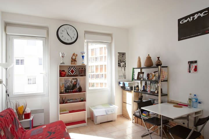 Bright 30m2 ideally located - Marseille - Appartement