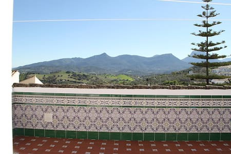 """""""RUTA DE LOS PUEBLOS BLANCOS""""Barato - Prado del Rey - Leilighet"""