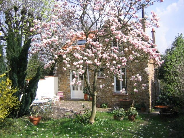 Chambre dans maison avec jardin - La Celle-Saint-Cloud - House