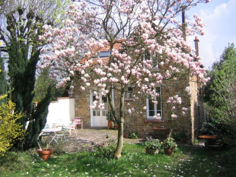 Chambre dans maison avec jardin h user zur miete in la for Jardin 700m2