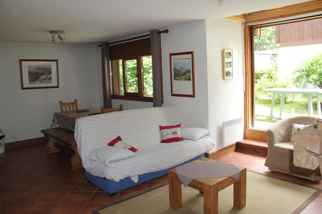 Salon et canapé-lit 2 places
