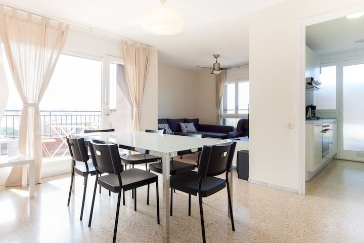 Sea, culture and shopping Barcelona - Sabadell - Apartamento