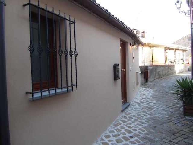 B&B La Casetta Centro storico Mondolfo. - Mondolfo - Bed & Breakfast