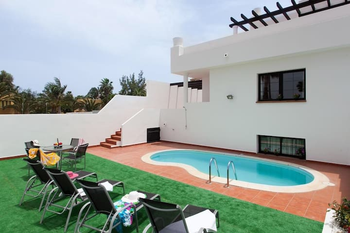 BHAVANA - Surf House Fuerteventura - Corralejo - Hus