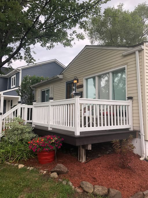 Enjoy cocktails or coffee on the beautiful front porch. Walk two houses down to a community park with a roller hockey rink, basketball courts, soccer fields and a play set.