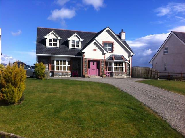 Carlingford Ireland - Carlingford - Hus