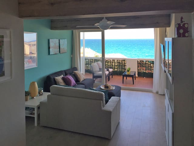 Ático con terraza a pie de playa - Faro de Cullera - Apto. en complejo residencial