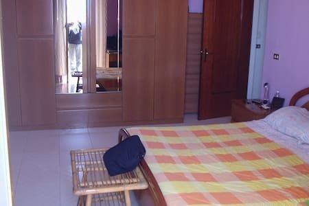Affitto camera matrimoniale - Sannicandro di Bari