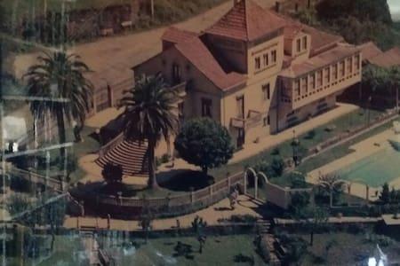 Villa Colonial con Piscina - Caritel