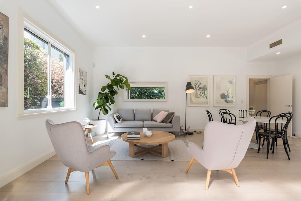 Living/Dining Room facing Garden