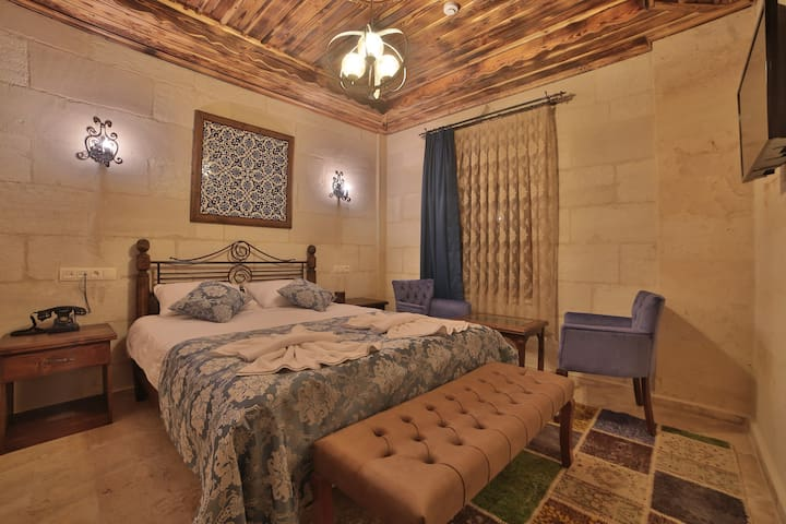 Caravanserai Inn Hotel- Stone Double Room