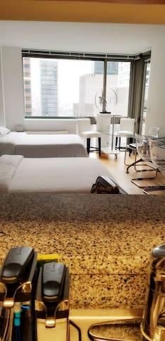 High Rise Luxury Wall Street 1 Bedroom Apt
