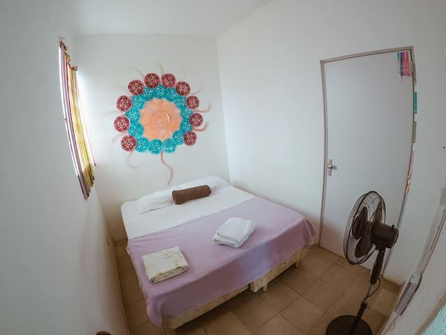 Suíte para casal ou 2 camas solteiro em Hostel 70
